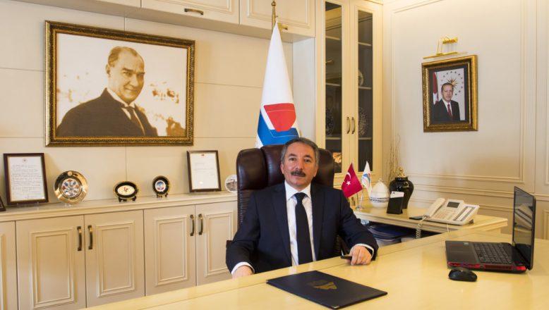 AİÇÜ Rektörü Karabulut'tan Zafer Bayramı Kutlama Mesajı