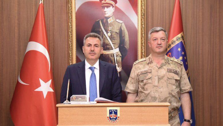 Ağrı Valisi Elban, TuğgeneralÖzkul'u Ziyaret Etti