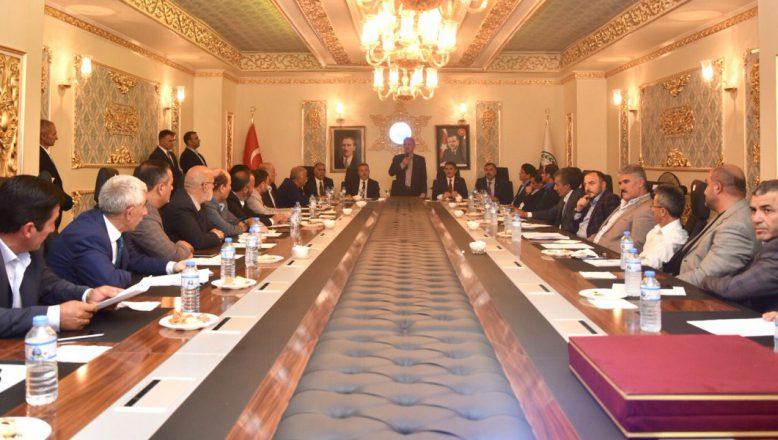 Bakan Turhan, Ağrı Sivil Toplum Platformu'nu (ASTOP) ziyaret etti