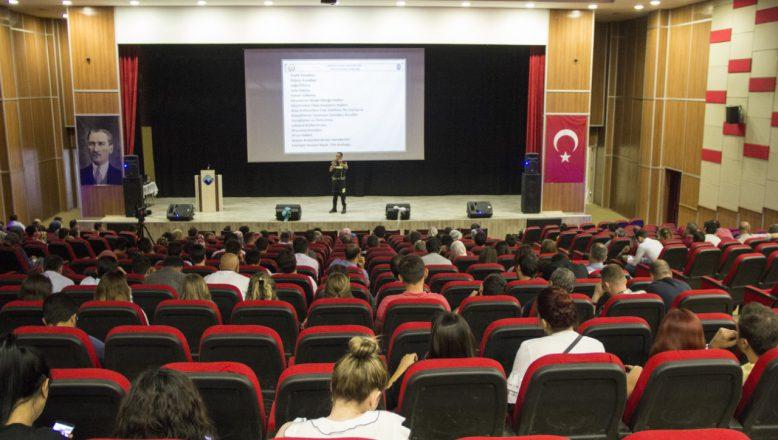 Ağrı'da Öğretmenlere Trafik Eğitimi Verildi