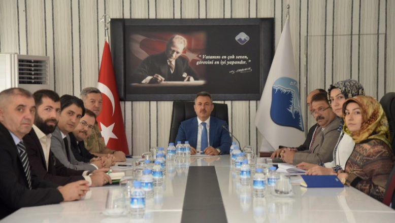 Ağrı'da Vali Elban Başkanlığında Okul Güvenli Toplantısı Gerçekleştirildi