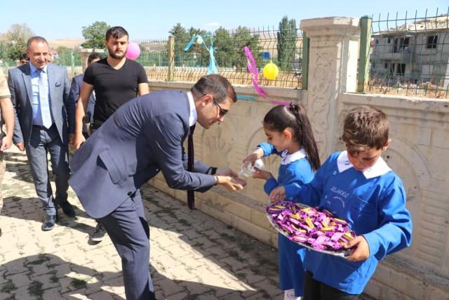 Ağrı-Tutak'da İlköğretim Haftası Kutlamaları Renkli Geçti