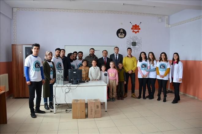 Ağrı'da, Köy Okullarına AİÇ (İC) Vakfından Destek