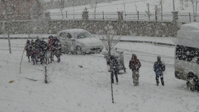 Kar Nedeniyle, Ağrı'nın Eleşkirt İlçesi ve Köylerinde Eğitime Ara Verildi