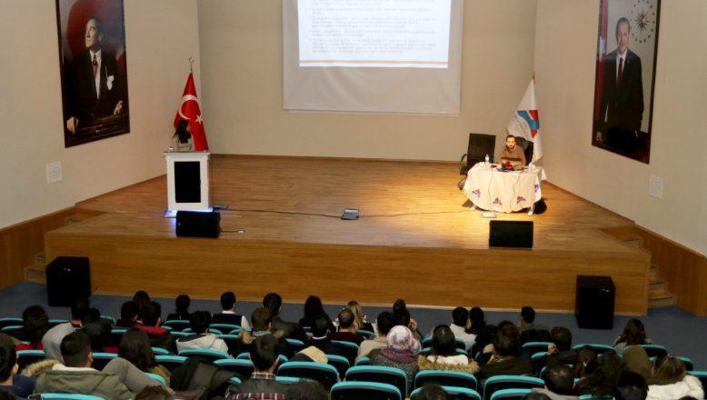 """AİÇÜ'de """"Akılcı İlaç Kullanımı"""" Konulu Konferans Düzenlendi"""