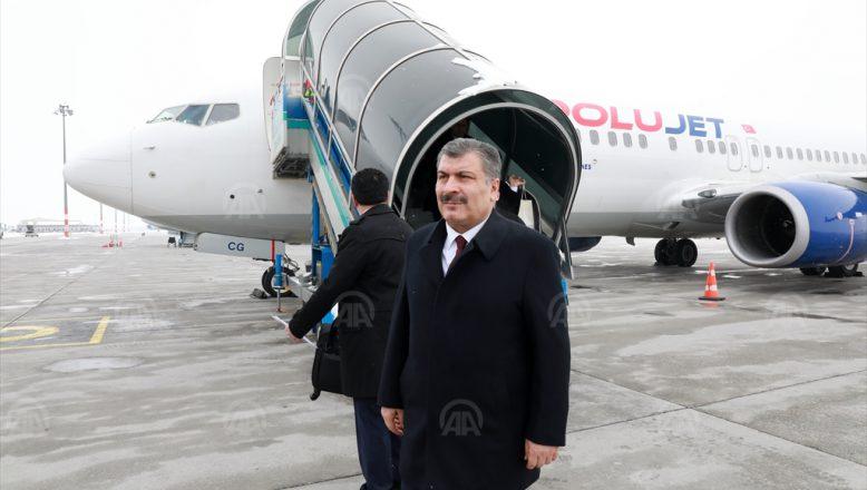 Ankara-Ağrı Uçağında Bakan Koca'dan Hastalanan Yolcuya Müdahale