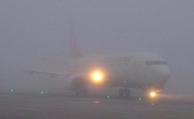 Ağrı'da sis nedeniyle uçak seferleri karşılıklı iptal edildi