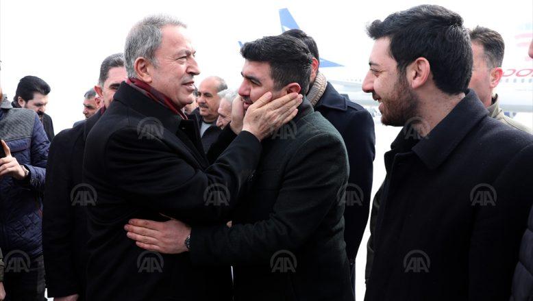Milli Savunma Bakanı Hulusi Akar  Ağrı'da