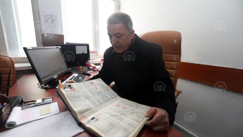 Savunma Bakanı Akar, Yıllar Sonra Aynı Koltukta