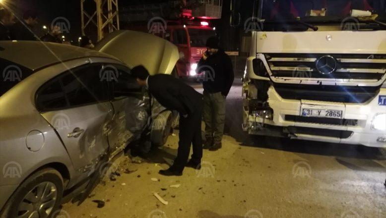 Ağrı'da tır ile otomobil çarpıştı: 1 ağır yaralı