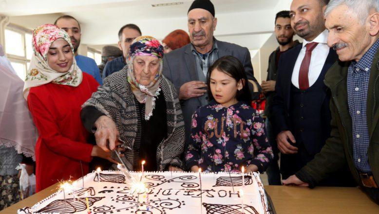 Ağrı İbrahim Çeçen Üniversitesinde Yaşlılar Haftası Etkinliği Düzenlendi