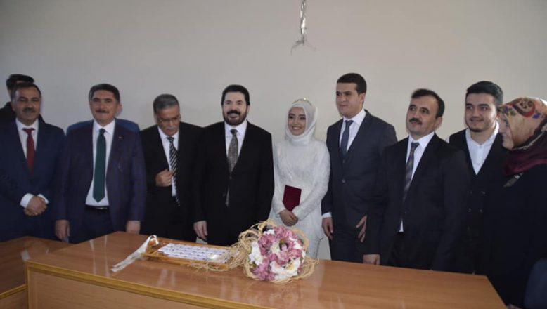 Başkan Sayan, Bismillah Diyerek İlk Nikah Akdini Gerçekleştirdi