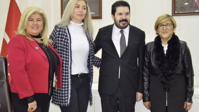 Başkan Sayan'a, İzmir'li İş Kadınlarının Vefası