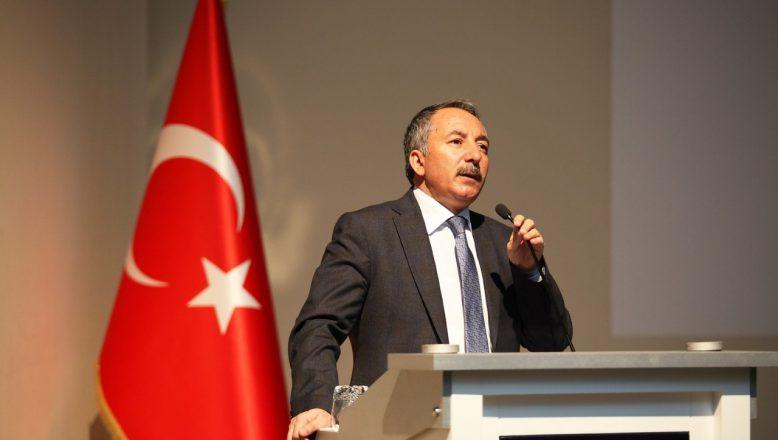 """AİÇÜ'de """"Gizli Örgütlerin İslam'ı Dönüştürme (Ilımlı İslam) Projesi ve Oryantalizm"""" Konulu Konferans Düzenlendi"""