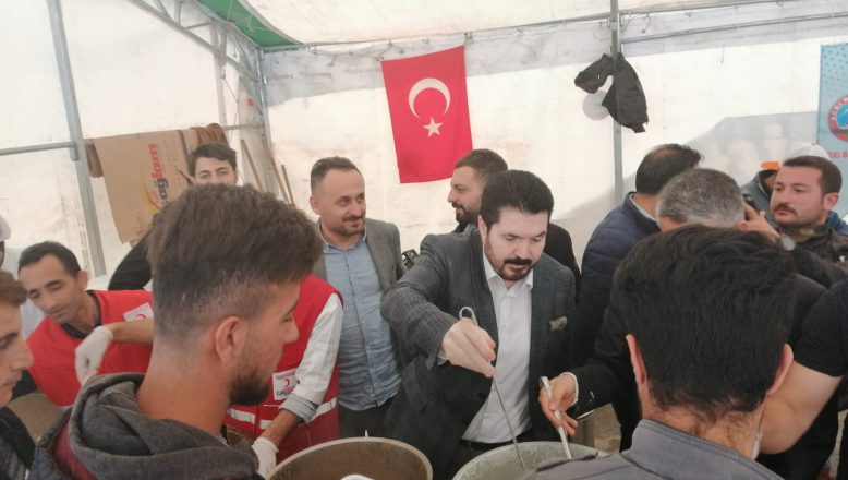 Başkan Sayan İftar Çadırında Vatandaşlarla Buluştu