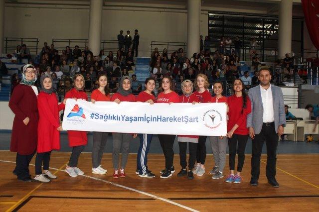 AİÇÜ'DE Fakülteler Arası Voleybol Turnuvası Düzenlendi