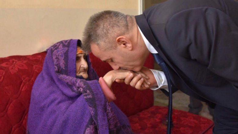Ağrı Valisi Süleyman Elban, Anneler Günü Nedeniyle Bir Kutlama Mesajı Yayımladı