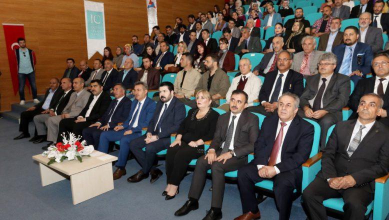 AİÇÜ'de IC Vakfı Bilimsel Teşvik Ödülleri ve Akademik Giysi Töreni Yapıldı