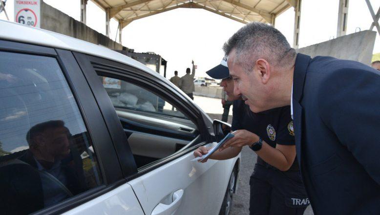 Ağrı Valisi Elban , Bayram Öncesi Trafik Denetimine Katıldı