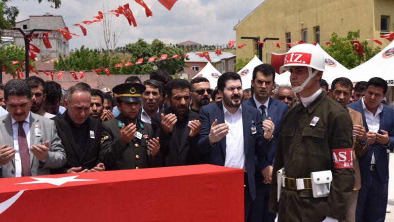 Tutak'lı Şehit Adem Tunç Gözyaşları Arasında Toprağa Verildi