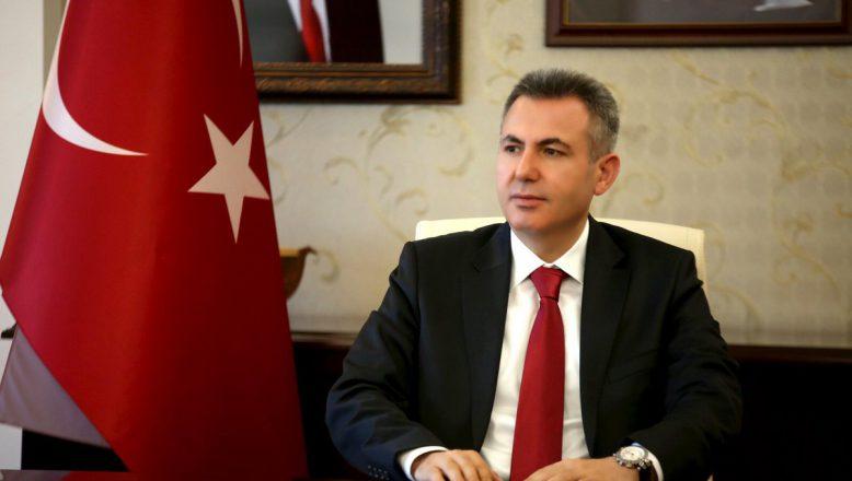 """Ağrı Valisi Elban'dan """"15 Temmuz Demokrasi ve Birlik Günü"""" Mesajı"""