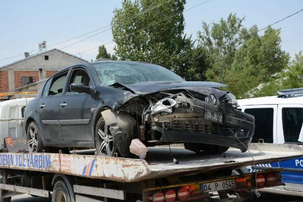 Ağrı'da 2 Araç Çarpıştı: 1 Ölü,  6 Yaralı