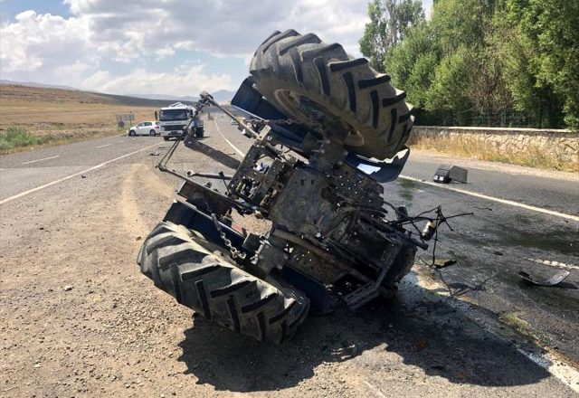 Eleşkirt'te trafik kazası 2 yaralı