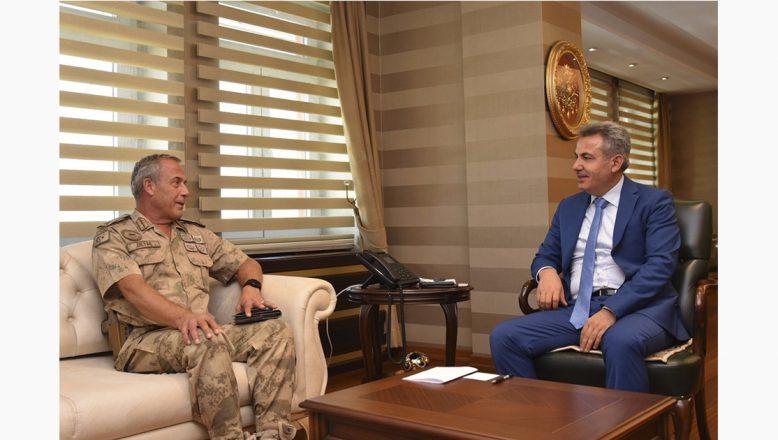 Erzurum Jandarma Bölge Komutanı Tuğgeneral Semih Okyar'dan, Vali Elban'a Ziyaret