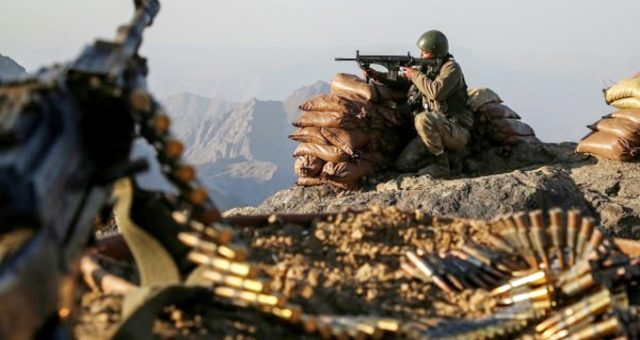 Tendürek Dağında etkisiz hale getirilen kadın teröristin, zırhlı askeri bir araca saldırı düzenlediği ortaya çıktı