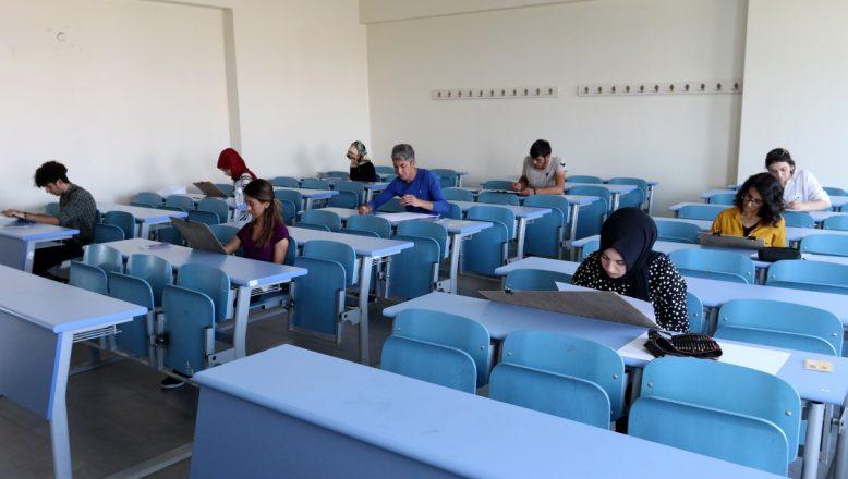 Ağrı İbrahim Çeçen Üniversitesi'nde Özel Yetenek Sınavı Tamamlandı