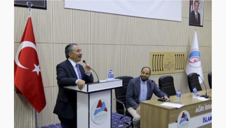 AİÇÜ Rektörü Prof. Dr. Karabulut, Yabancı Uyruklu Öğrencilerle Bir Araya Geldi