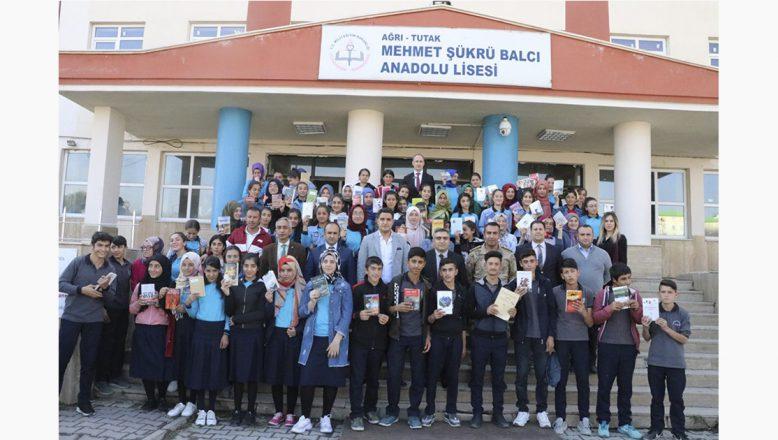 Tutak'ta Öğrencilerin Okuma Şenliği