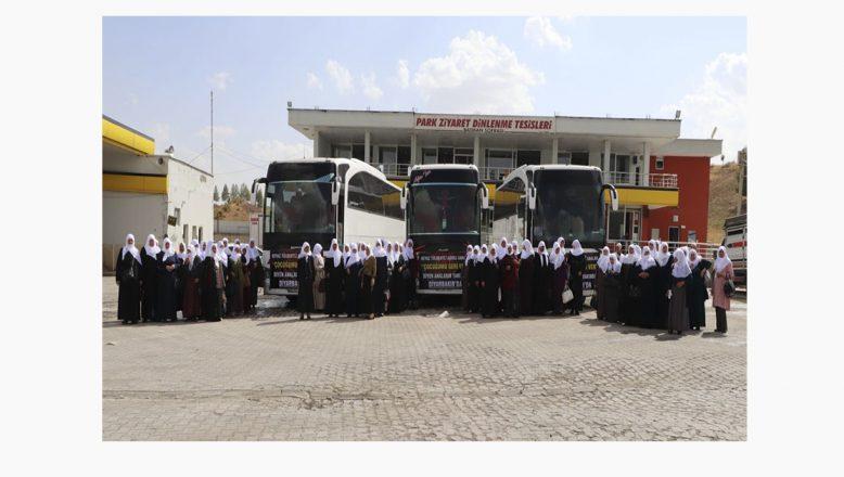 Ağrı'lı Beyaz Tülbentli Analar, Diyarbakır'da Direnen Analara Destek İçin Yolda