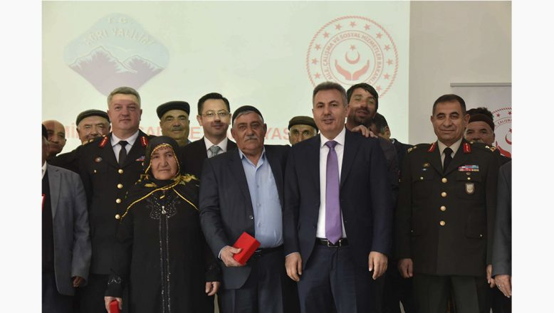 Ağrı Valiliğinde Kıbrıs Gazileri İçin Milli Mücadele Madalyası ve Berat Tevcih Töreni Düzenlendi