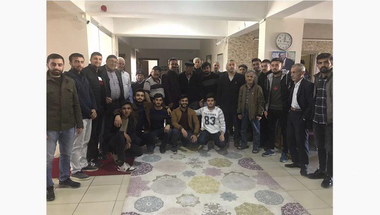 Ağrı Kyk'lı Gençlerden Huzur Evi Ziyareti