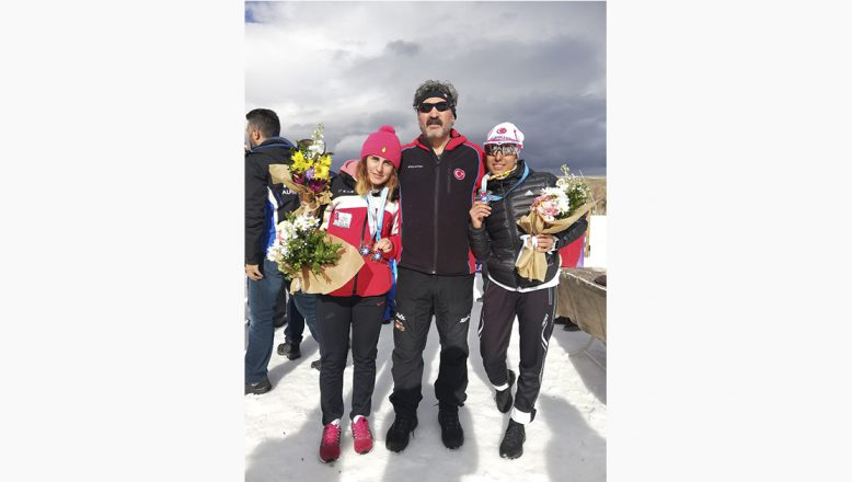 Ağlı Sporcular 2 Madalya İle Döndüler