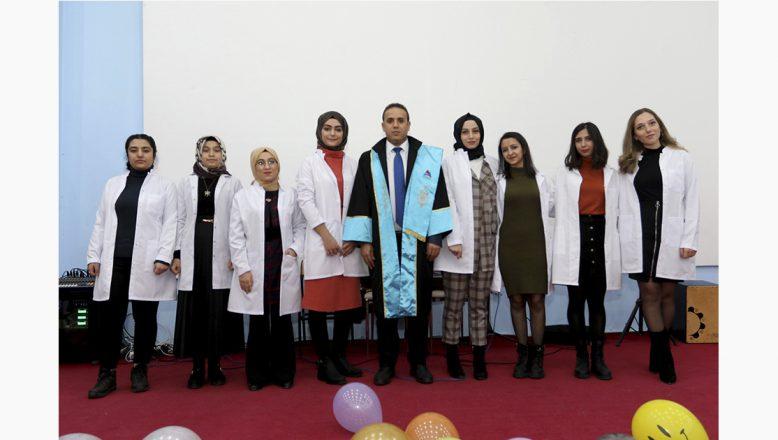 """AİÇÜ'de """"Beyaz Önlük Giyme"""" Töreni"""