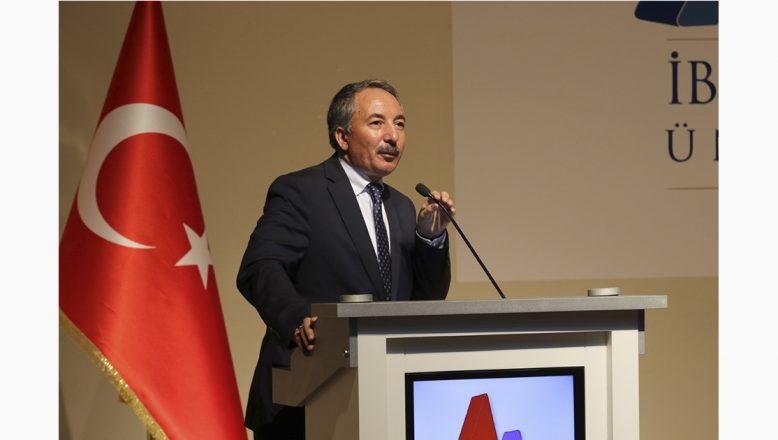 AİÇÜ'de 'Toplumsal Değişimde Kadın Erkek Rolleri ve Şiddet' Konferansı Düzenlendi