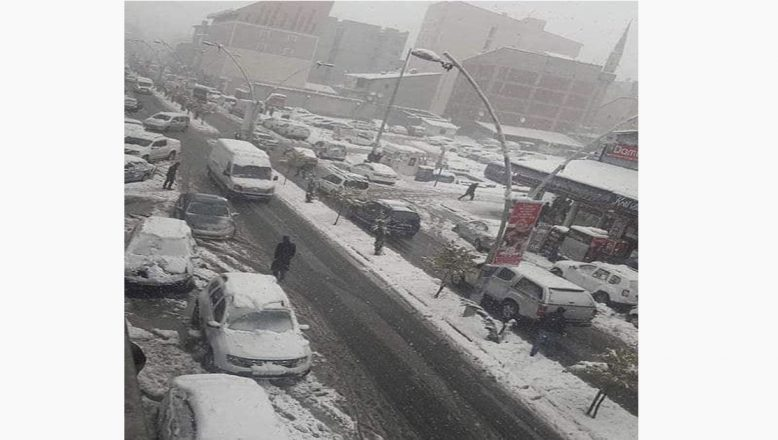 Ağrı'da kar yağışı etkisinin sürdürüyor