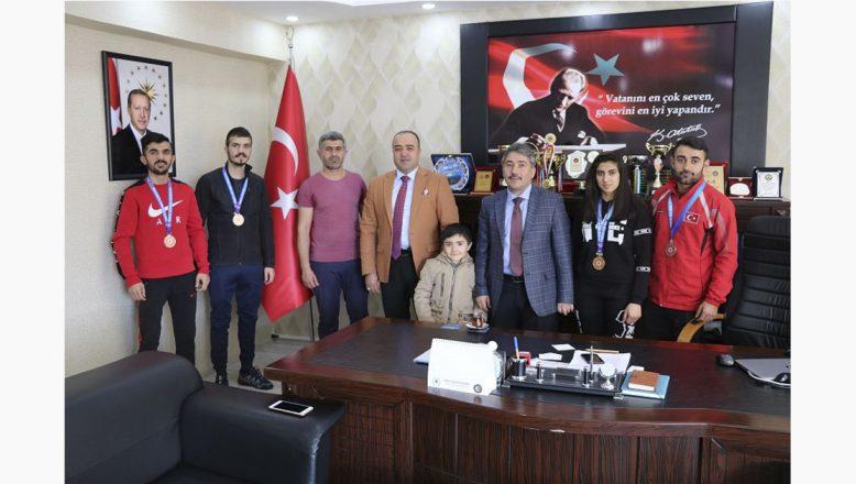 Ağrı GSİM, Başarılı Kick Boksçuları Tebrik Etti