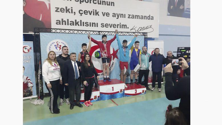 Ağrı'lı Küçük Halterci Türkiye Şampiyonu Oldu