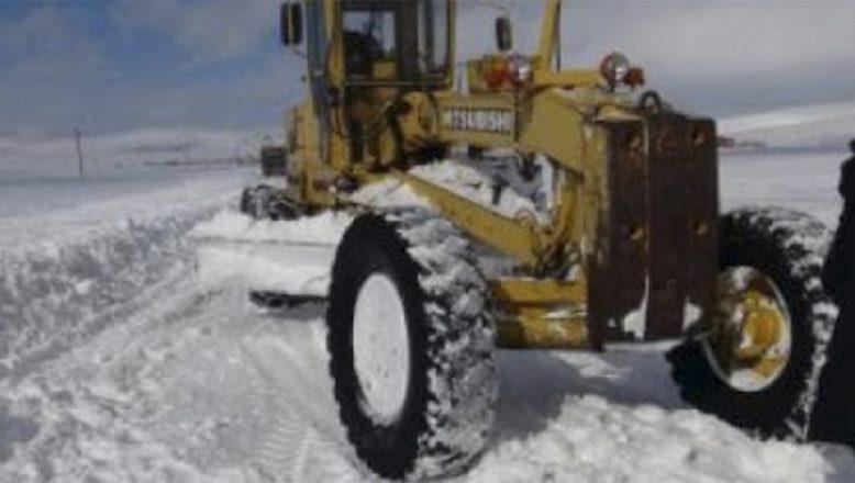 Ağrı'da kar ve tipide mahsur kalan 28 kişi donmaktan son anda kurtarıldı