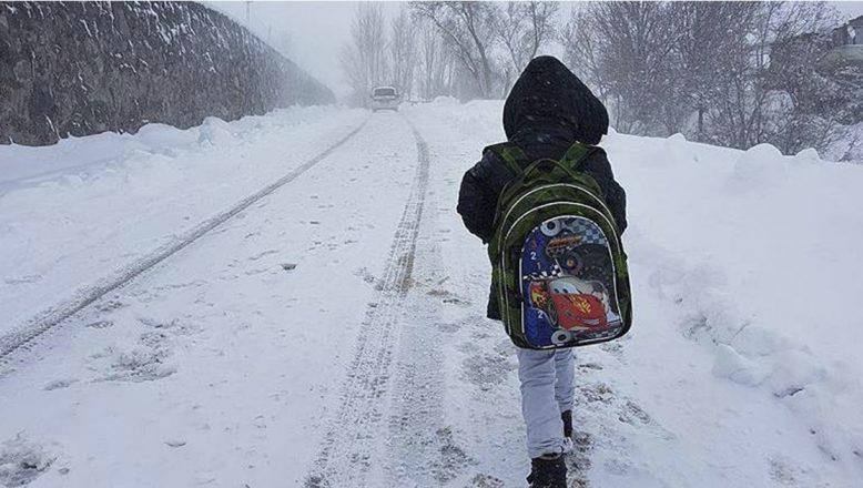18 ilde kar yağışı nedeniyle yarın eğitime bir gün ara verildi