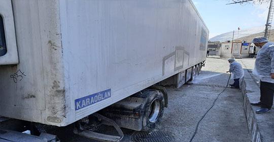 Gürbulak Sınır Kapısından Giriş Yapan Araçlara Dezenfekte Uygulanıyor