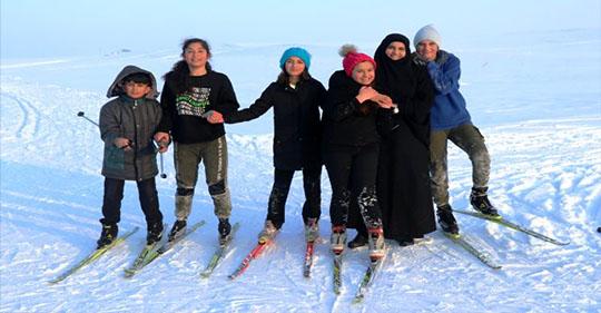 Ağrı'da Yonca öğretmen, kendisi gibi şampiyon kayakçılar yetiştiriyor