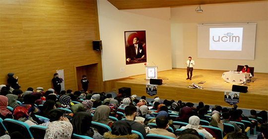"""AİÇÜ'de """"Çocuk İstismarı ile Mücadele Eğitimi"""" Konferansı Verildi"""
