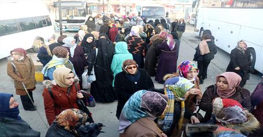 Ağrı Belediyesinden Ağrılı 300 kadına 8 Mart Dünya Kadınlar Günü hediyesi