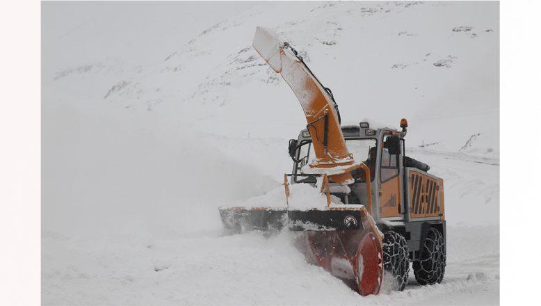 Kar nedeniyle kapanan Kağızman-Ağrı ve köy yolları ulaşıma açıldı