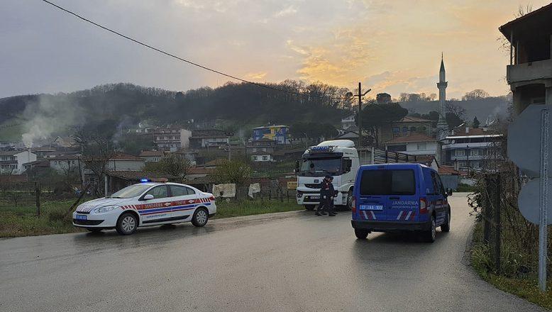 Koronavirüs nedeniyle karantinaya alınan  8 ilde 11 köy ve 2 mahalle