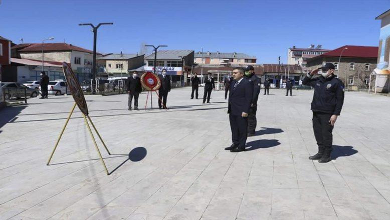 Tutak'ın 102. Kurtuluş Yıl Dönümü Atatürk Anıtına Çelenk Bırakılarak Kutlandı